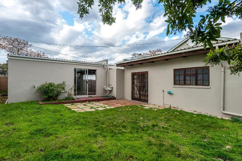 Property For Sale in Bellville, Bellville 17