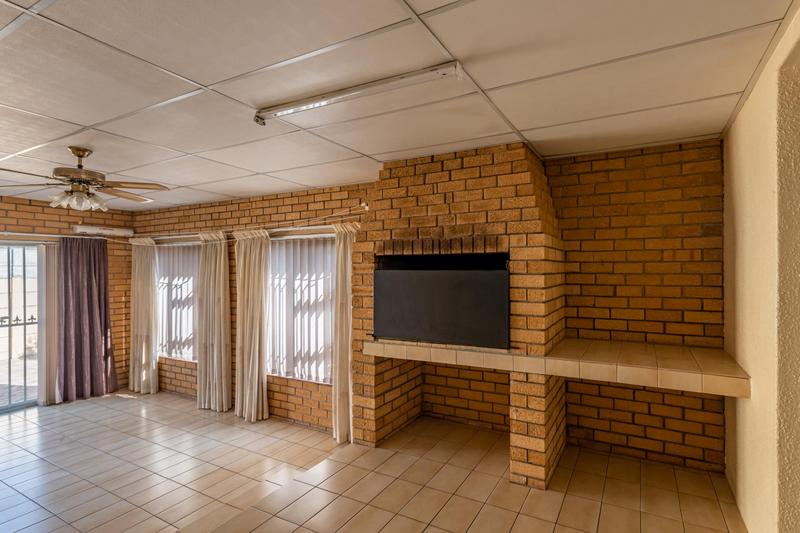 Property For Sale in Glenlily, Parow 24