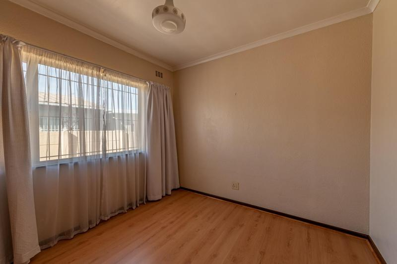 Property For Sale in Glenlily, Parow 31