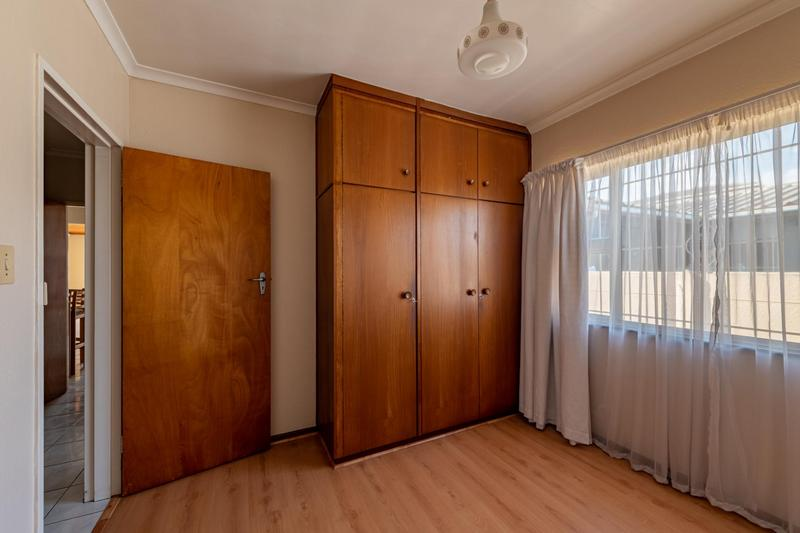 Property For Sale in Glenlily, Parow 32