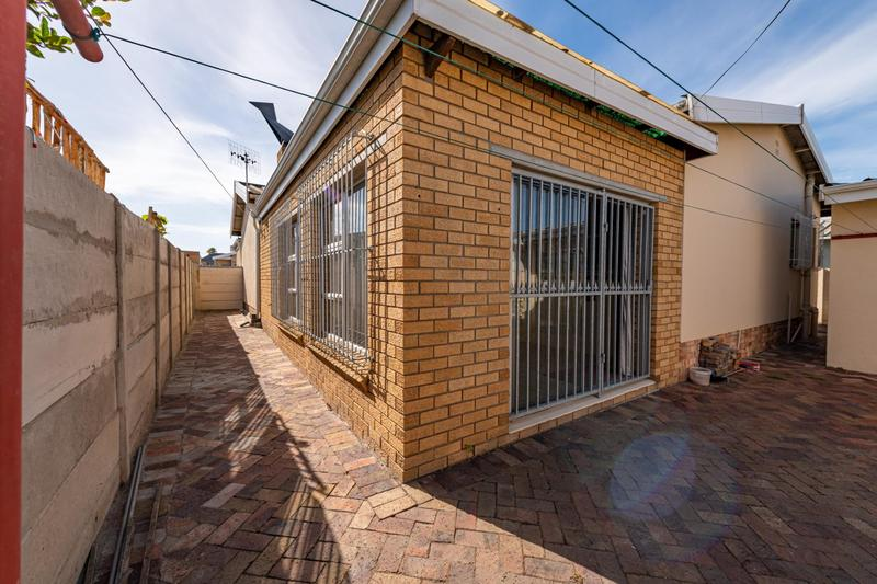 Property For Sale in Glenlily, Parow 37