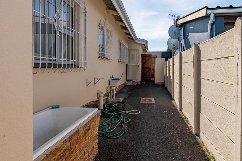 Property For Sale in Glenlily, Parow 38