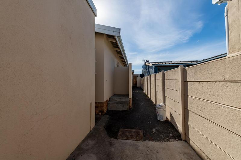 Property For Sale in Glenlily, Parow 41
