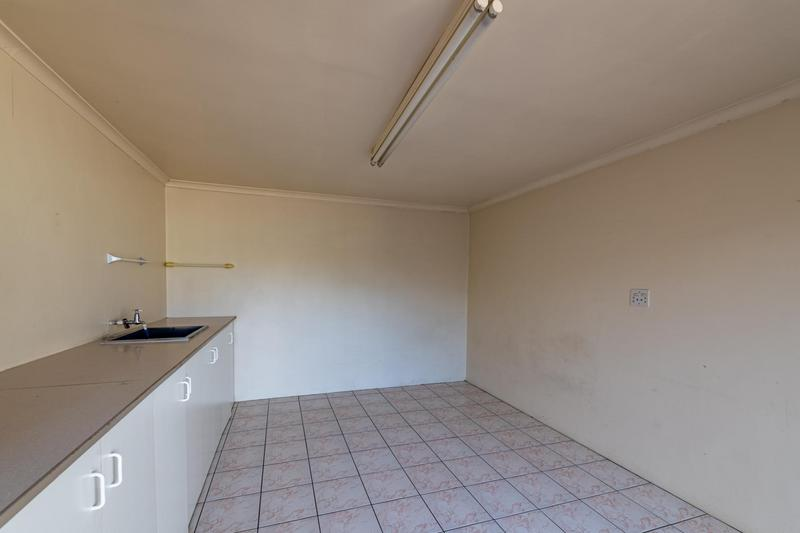 Property For Sale in Glenlily, Parow 42