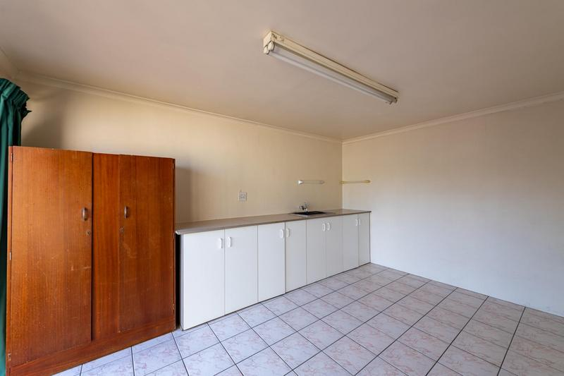 Property For Sale in Glenlily, Parow 43